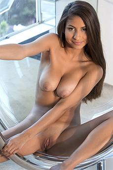 Nina North